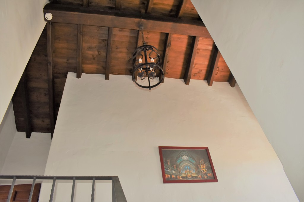 2129 hign ceiling