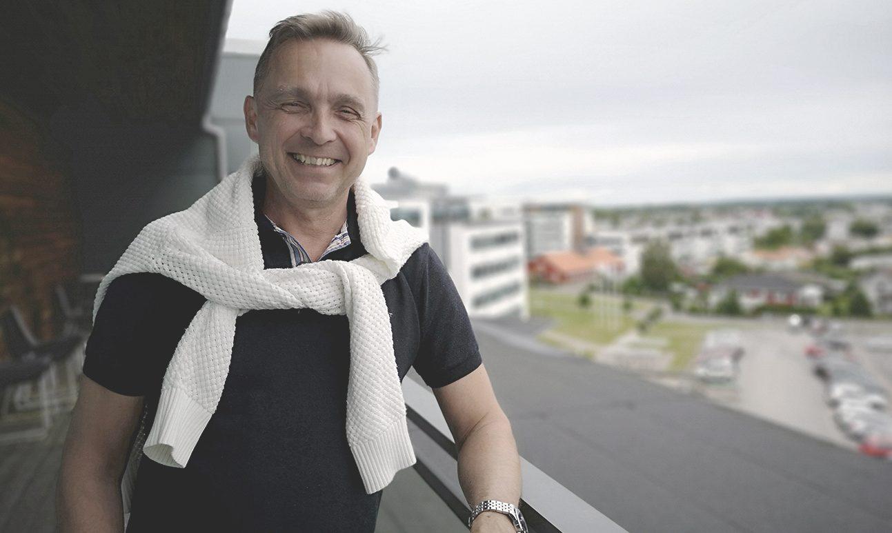 Lars Tooj IDC