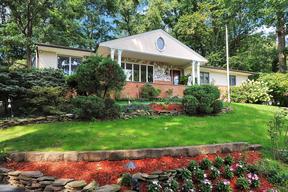 Single Family Home Sold: 9 Tara Ln