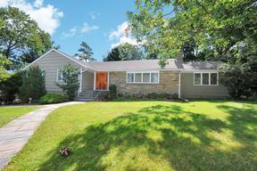 Single Family Home Sold: 16 White Oak Dr