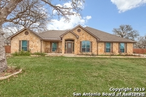 La Vernia TX Single Family Home Sold: $389,900