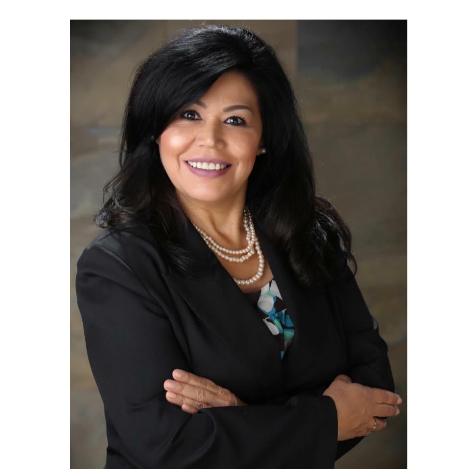 Listing Agent in Bakersfield, CA - Linda Banales 661-303-5401