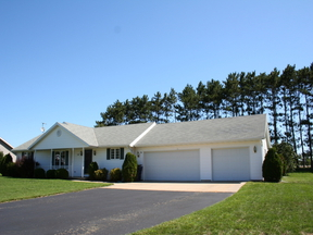 Single Family Home Sold: 3110 Trenton Ln