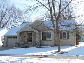 Single Family Home Sold: 1001 Redwood Dr