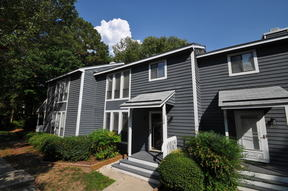Townhome For Rent: 120 Joanne Circle