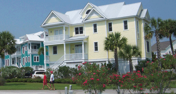 Image of homes on Harbor Island, South Carolina.