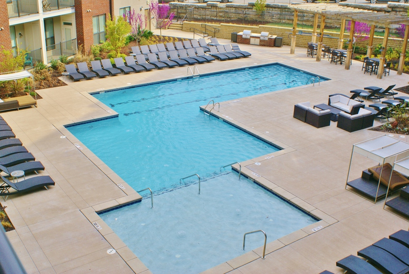 Pine Street Flats pool plaza resident lounge area