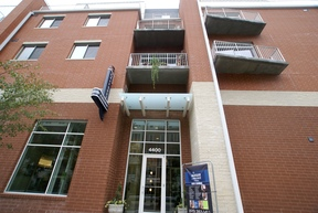 Furnished 1BDR Available Today!: 4400 Ridgefield Way