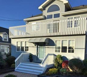 Rental Normandy w/Pool: 44 1st Avenue
