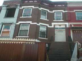 Multi Family Home Short Sale: 148 Hull St