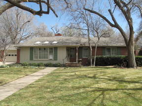 Single Family Home For Sale: 2209 S Parker