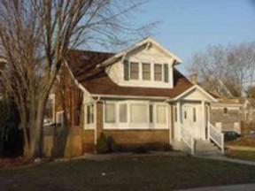 Residential : 706 Mcfarlane Rd.