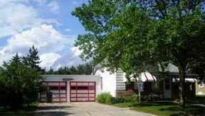 Residential : 227 W Albert St