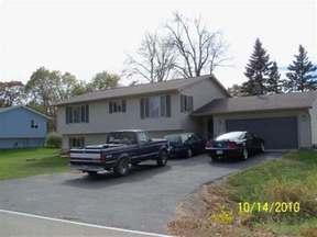 Residential : 107 N River Rd