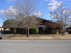 Residential : 700 Oak Lane