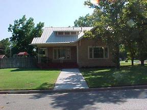 Residential : 400 Ave C NE