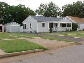 Residential : 403 Ave H SE