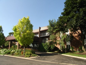 Condo/Townhouse Rented: 1053 W. Ogden Avenue #138