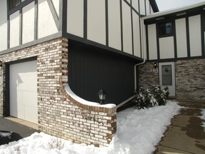 Townhouse Sold: 818 Dighten Lane