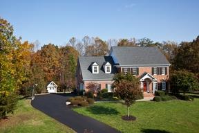 Single Family Home Sold: 1560 Heatherfield Lane