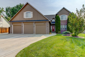 Single Family Home For Sale: 260 S. Hobbs Pl.