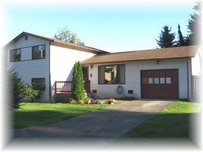 Residential : 30021 45th Place S.