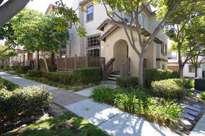 San Diego CA Townhouse For Sale: $477,000