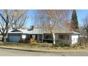 Single Family Home Sold: 389 W Wilose Dr