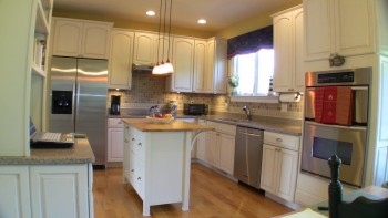 Stainless Steel Appliances, Silestone Countertops