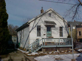 Residential : 307 S Few Street