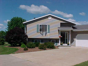 Belleville WI Residential For Sale: $2,147,483,647