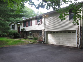 Single Family Home Sold: 11 Bannister Ln