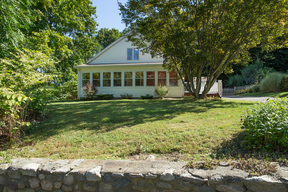 Single Family Home Sold: 7 Harmony Hill Road
