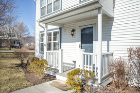 Single Family Home Sold: 61 Kings Way