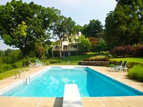 Residential Sold: 60 Sumner Ln