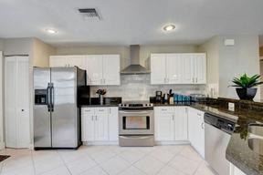 Single Family Home For Sale: 1135 E Lancewood Place