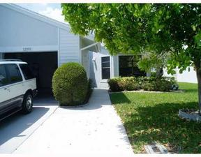 Boynton Bch  FL Villa 4 Sale For Sale: $200,000