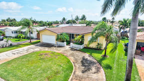 Single Family Home For Sale East Deerfield: 34 SE 8 Ter