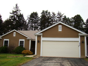 Single Family Home Sold: 194 Mistwood Ln