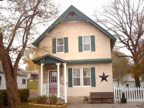 Residential : 816 Main St