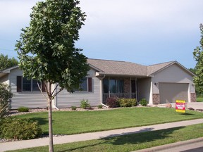 Residential : 1001 Eastwood St