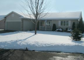 Residential : 916 Garden Place