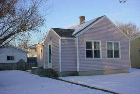 Residential : 2115 Greenbay Street