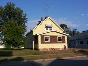 Residential : 2415 S 13th Place