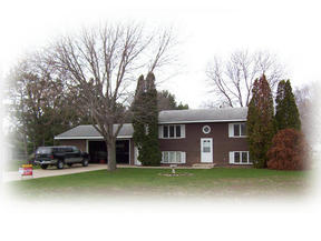 Residential : 5885 Cottage Ln