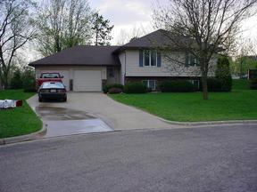 Residential : 521/523 Bluebird Ct