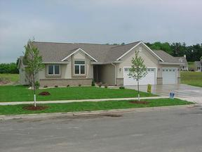 Residential : 1109 Rolling Oaks Drive