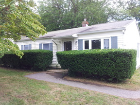 Single Family Home Sold: 39 Indian Field Road