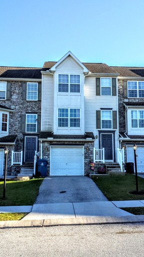 Townhouse Sold: 153 Zachary Drive