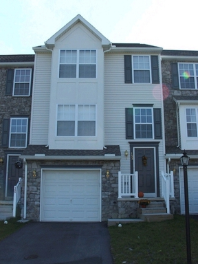 Lease/Rentals : 153 Zachary Drive